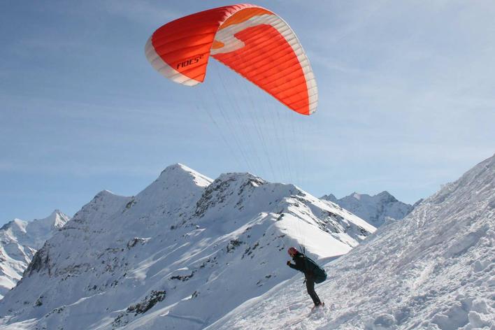 Parapentiste à ski
